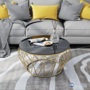 Bàn trà sofa kính hình tròn kim loại đẹp với thiết kế khung kim loại đẹp và mặt kính hình lục giác. Mẫu bàn hiện đại phù hợp với nhiều dáng sofa đẹp cho gia đình. Bạn có thể tự tin tiếp khách ở ngôi nhà của mình .