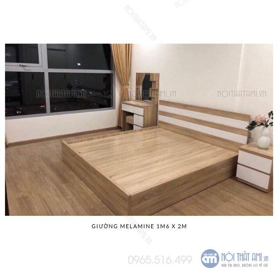 Rộng 1m6 x 2m =3.700.000đGiường có ngăn kéo gỗ ép gỗ chống xước được thiết kế theo kiểu giường bệt, hiện đại với bộ khung chắc chắn, rát phản tiện lợi, sử dụng được trong cả mùa đông lẫn mùa hè.