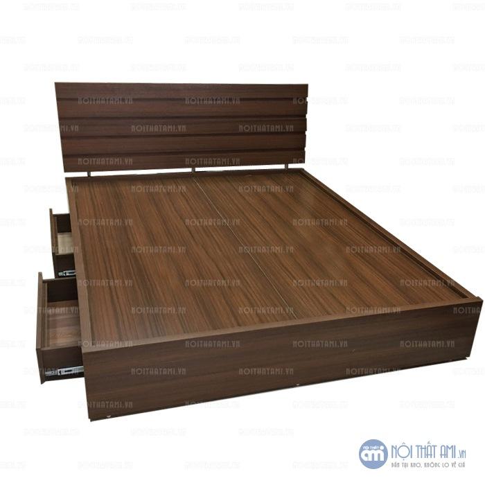 Giường hộp MDF Melamine Rát phán sử dụnggỗ công nghiệp melamine cao cấp chống xước được thiết kế theo kiểu giường bệt, hiện đại với bộ khung chắc chắn, rát phản tiện lợi