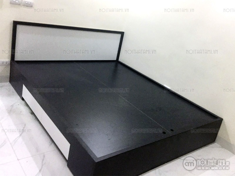 Giường hộp melamine có 2 ngăn kéo màu trắng đen