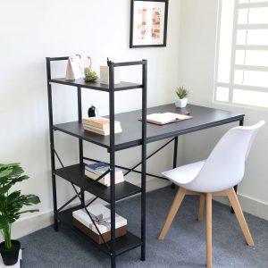 Bàn giá sách cạnh, bàn máy tính chân sắt đẹp được làm bằng chất liệu gỗ công nghiệp. Mặt bàn chân sắt mặt gỗ công nghiệp có độ dày 18mm